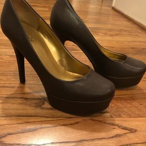 Heels with thick platform by Guess